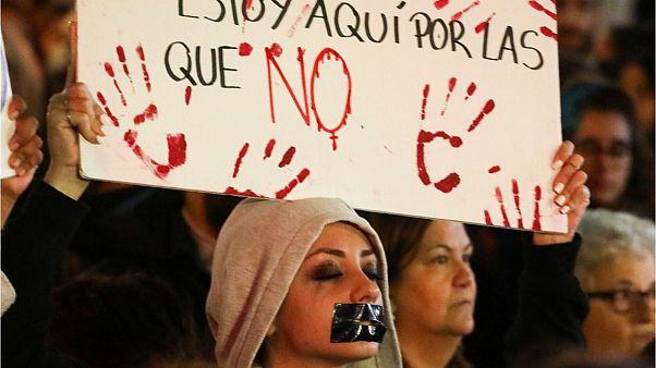 صدها اسپانیایی به حکم دادگاه برای متجاوزان به دختر نوجوان اعتراض کردند