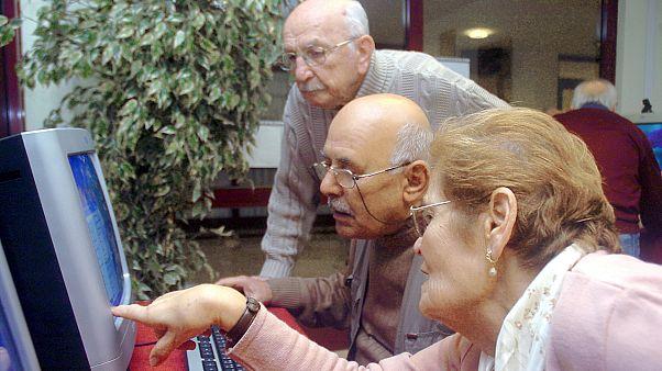 Yaşlı bilgisayar kullanıcıları