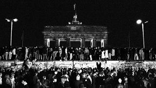 Berlin, porte de Brandebourg, le 9 novembre 1989