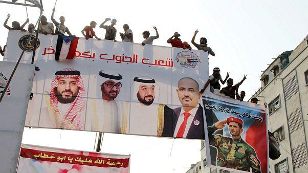 تقویت ائتلاف علیه حوثیها؛ توافق تقسیم قدرت دولت و شورای انتقالی یمن