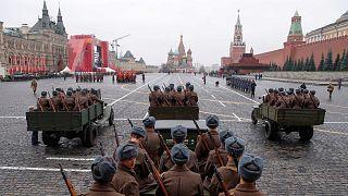 Moszkva: parádé november 7. emlékére