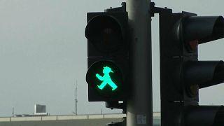 Βερολίνο: Οι φωτεινοί σηματοδότες μιας άλλης εποχής