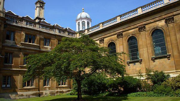 إحدى المباني في جامعة كامبريدج البريطانية