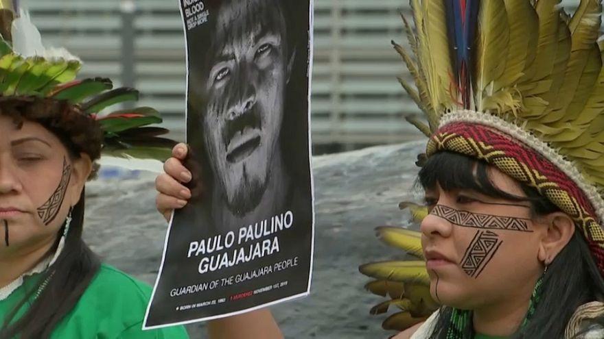 اعتراض بومیان برزیل به جنگلزدایی آمازون در بروکسل