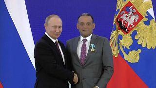 """الكرملين يدافع عن قيام بوتين بمنح وسام لـ""""جاسوس"""" بلغاري"""
