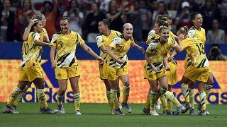 زنان فوتبالیست حرفهای استرالیایی دستمزد برابر با مردان دریافت میکنند