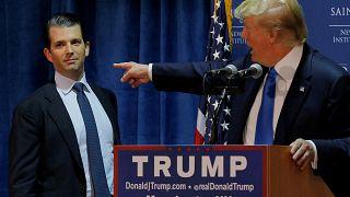 """نجل ترامب يفكر في الترشح للانتخابات ويهاجم خصوم والده """"البائسين"""" في كتابه الأول"""