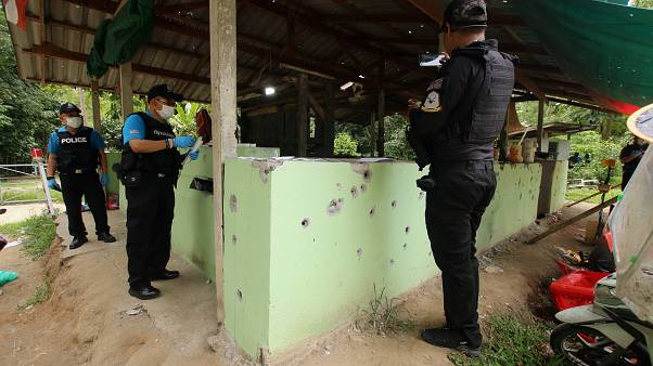 Αιματηρή επίθεση ενόπλων σε σημείο ελέγχου στη νότια Ταϊλάνδη