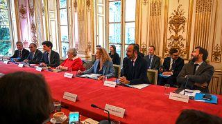 Fransa'da hükümet, göç ve mültecilerle ilgili koşulları sertleştiriyor
