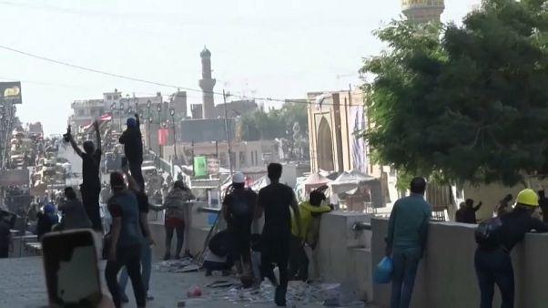 Iraq: le forze di sicurezza sparano sulla folla