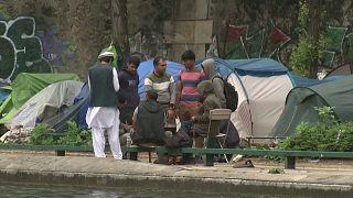 """Francia """"retoma el control"""" de su política migratoria"""