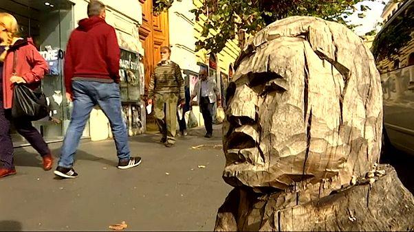 ویدئو؛ هنرمند ایتالیایی به درختهای مُرده رم جان بخشید