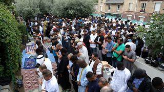 إحصاءات صادمة عن العنصرية ضد المسلمين في فرنسا