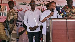 رئيس الوزراء السوداني في الحكومة الانتقالية عبد الله حمدوك خلال زيارته إلى دارفور 4 نوفمبر 2019