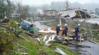 شاهد: إعصار مدمر يضرب مصنعاً في اليونان