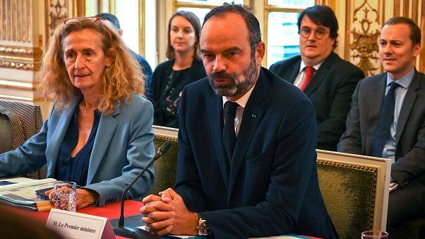 رئيس الوزراء الفرنسي إدوار فيليب في اجتماع يركز على سياسات الهجرة، بجانب وزيرة العدل الفرنسي نيكول بيلوبت، في فندق ماتينيون في باريس ، فرنسا 6 نوفمبر 2019