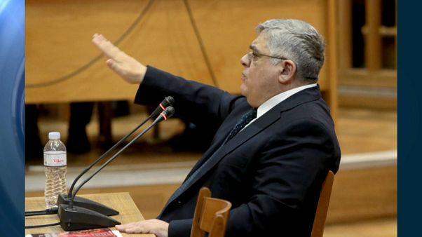El líder del partido neonazi griego Amanecer Dorado comparece ante la justicia