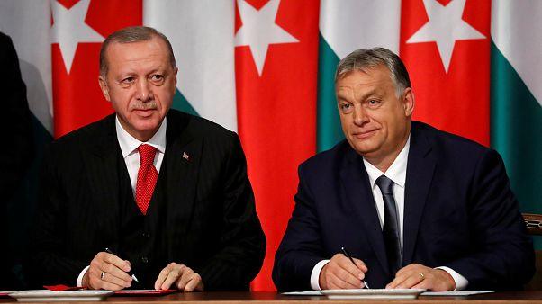 Orbán: Törökország nélkül nem lehet megállítani az Európa felé irányuló migrációt