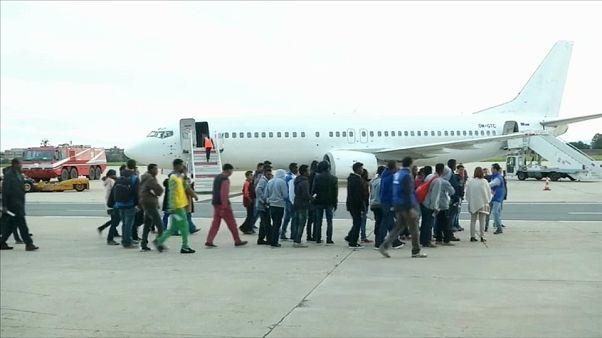 Migranti: corridoi umanitari contro l'inferno delle carceri libiche