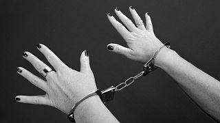 """حكم جديد في قضية """"الأرملة السوداء"""" التي أقنعت عشيقها بقتل خطيبها قبل أن تتخلص منه"""