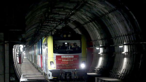 Çin Demiryolu Ekpresi, Çin'den yola çıkıp, Kars üzerinden Türkiye'ye giriş yaparak, Marmaray'ı kullanıp Avrupa'ya geçen ilk yük treni oldu. ( Ahmet Bolat - Anadolu Ajansı )