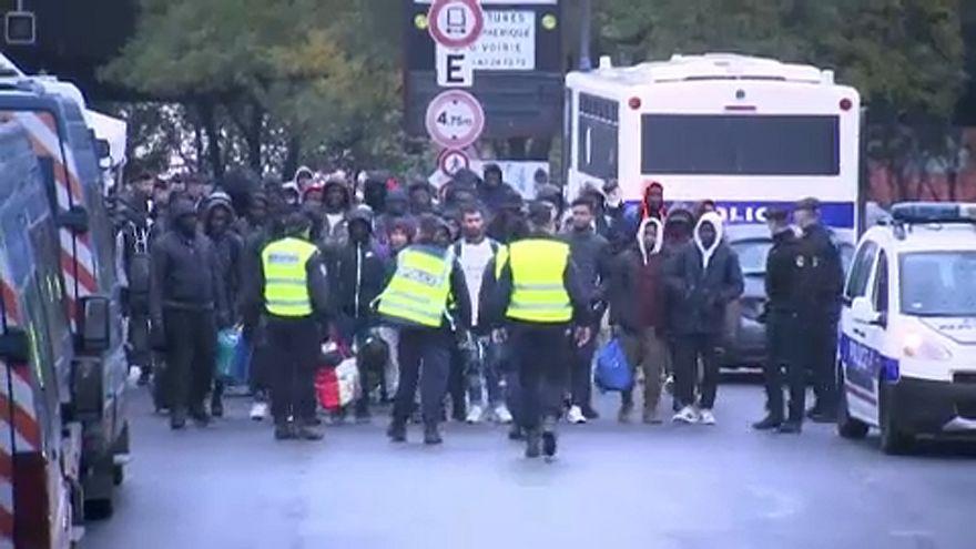 Opération d'évacuation de migrants d'ampleur au nord de Paris