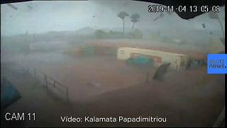 [Vídeo] Un violento tornado captado por las cámaras de seguridad de una fábrica en Grecia