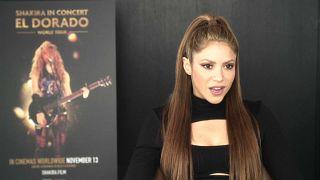 Shakira lleva su música al cine y al estadio
