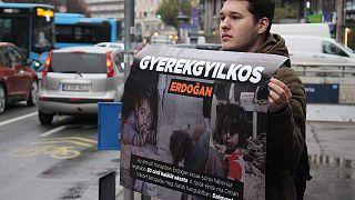 Félázsiai diktátor, gyerekgyilkos, népirtó – nem örül Erdogannak az ellenzék
