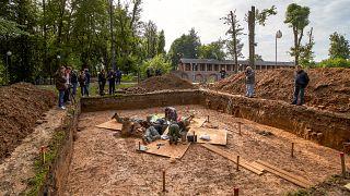 Az ásatás helyszíne, ahol Gudin holttestének maradványait megtalálták