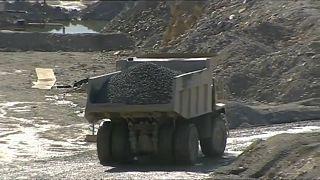 Justiça cancela um dos processos contra cimenteira Lafarge