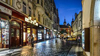 Ladenstraße in Prag - Illustrationsbild