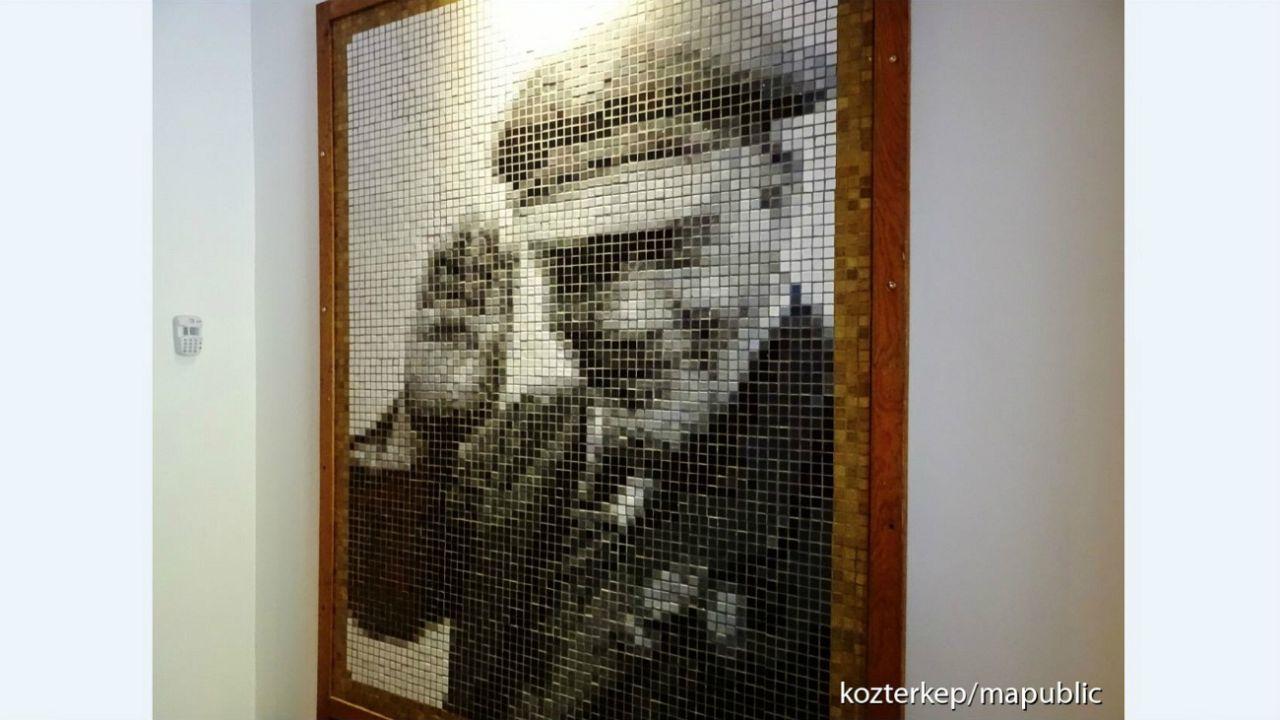 Erdély Miklós mozaikja Leninről (1970k)