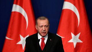 """إردوغان يهدد مجددا """"بفتح الأبواب"""" أمام المهاجرين إلى أوروبا"""