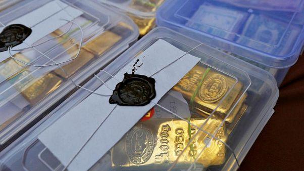 کاهش شتاب رشد بهای دلار در بازار آزاد؛ طلا سقوط کرد
