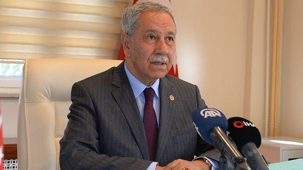 Cumhurbaşkanlığı Yüksek İstişare Kurulu Üyesi Bülent Arınç,Iğdır'da  basın mensuplarının sorularını yanıtladı. ( Bülent Mavzer - Anadolu Ajansı )