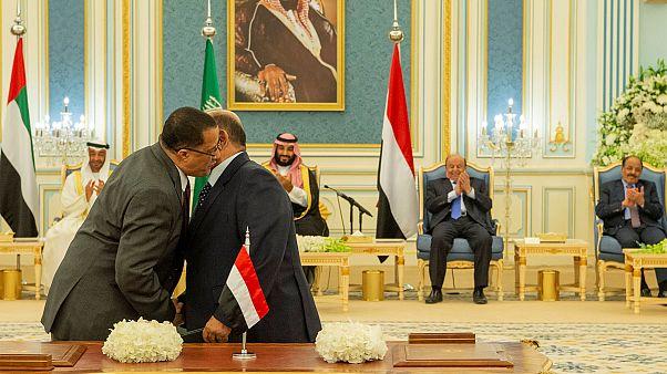 جانب من توقيع اتفاق تقاسم السلطة في جنوب اليمن بوساطة سعودية، الرياض 5 نوفمبر 2019