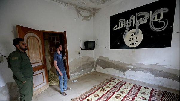 """وكالة رسمية: تركيا ستبدأ بترحيل مقاتلي """"داعش"""" السجناء إلى بلادهم الإثنين المقبل"""