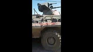 شاهد: عربة عسكرية تركية تدهس متظاهرا سوريا وتقتله