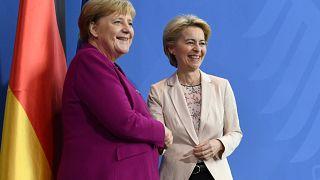 Von der Leyen átalakítaná a bevándorláspolitikát, Merkel támogatja