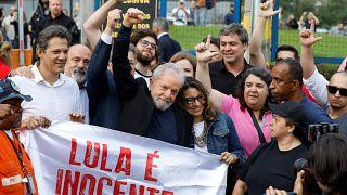 El expresidente Lula sale de la cárcel tras una decisón de la Corte Suprema