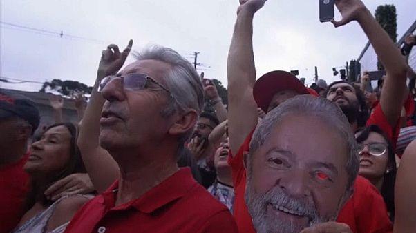 Brasilien: Ex-Präsident Lula - vorerst - frei