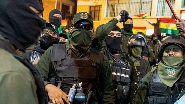 شماری از نیروهای پلیس بولیوی به مخالفان دولت پیوستند