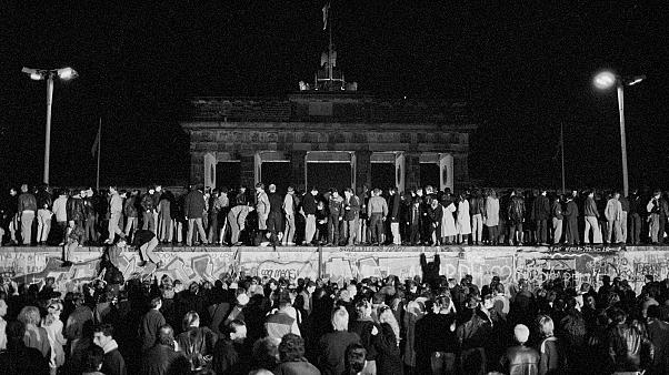 The Berlin Wall fell 30 years ago. Democracy seemed to have won out, but we were wrong ǀ View