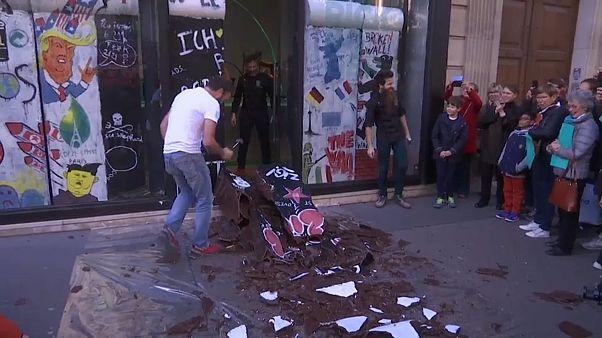 شاهد: صانع شوكولاتة باريسي يحتفل بالذكرى 30 لسقوط جدار برلين على طريقته