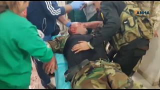 القائد العسكري السوري خلال نقله إلى المستشفى