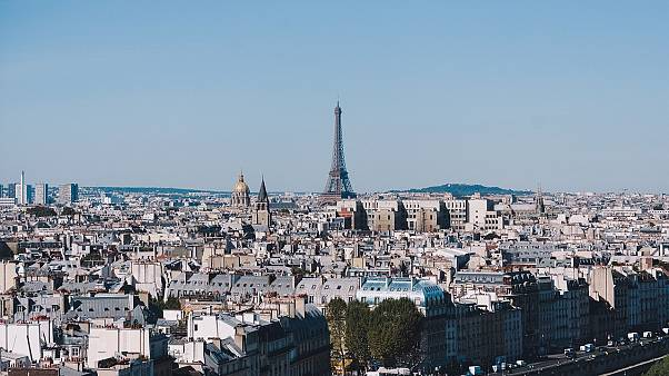 """مسيرة ضد """"الإسلاموفوبيا"""" في باريس تحت شعار """"كفى"""" وانقسام سياسي حولها"""