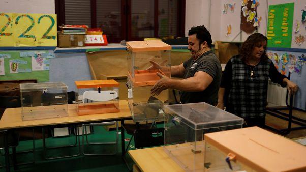 Les Espagnols aux urnes, dans un climat d'incertitude
