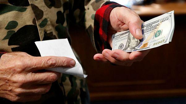 دلار به بالاترین حد در یک ماه گذشته رسید