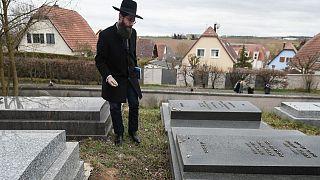 Danimarka'da Yahudi mezarlığına saldırı düzenlendi